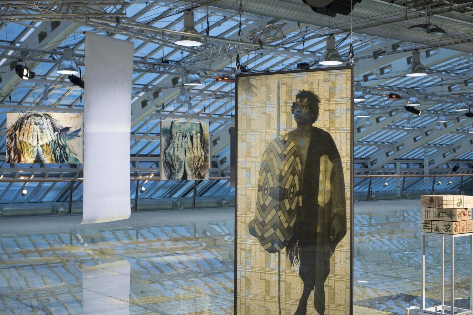 HUMAN_gold Ausstellungsansicht